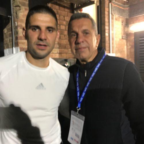Bir Fulham maçından sonra golcüsü Aleksandar Mitrović ile...