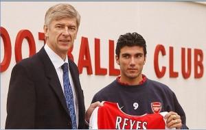 İlk sezonunda Premier Lig şampiyonluğu yaşayan Ocak ayı transferi;  José Antonio Reyes...