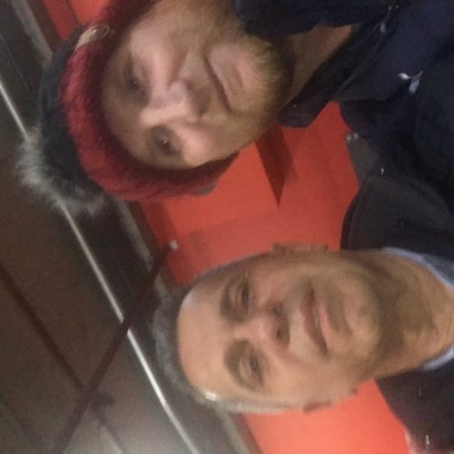 Bir Arsenal maçından sonra eskinin sıkı forveti John Hartson ile