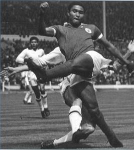 Eusebio, gol kralı olarak bitirdiği 1966 Dünya Kupasında...
