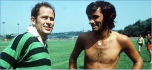 Wilf McGuinness; bir antrenman sonrasında George Best'le...